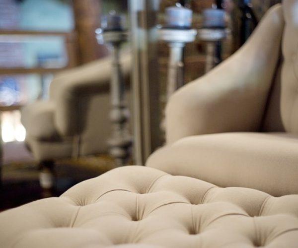 armchair-2446545_640