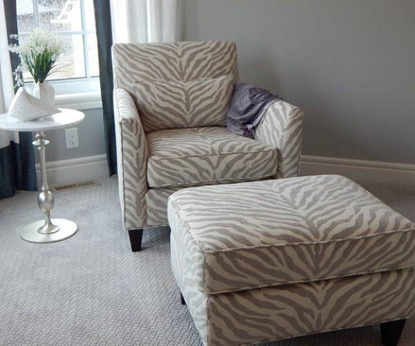 chair-902360_640
